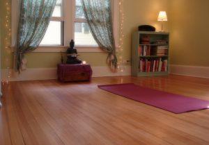 Малка йога зона у дома