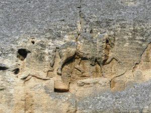 Неизвестни на науката скулптури на конници